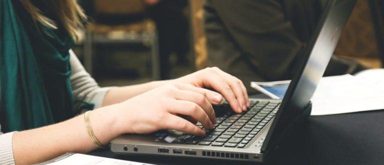 Article : Démarches administratives : et si on faisait tout en ligne ?